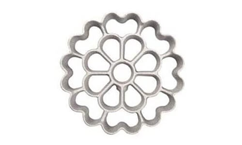 Product 9 O_Creme Rosette Iron Floral Design XS