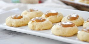 gluten-free cookies filled with caramel on the center
